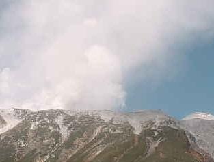長野県 御嶽山ライブカメラ2と雨雲レーダー