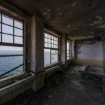廃墟好きにおすすめ!軍艦島 端島小中学校教室 の360度パノラマカメラ