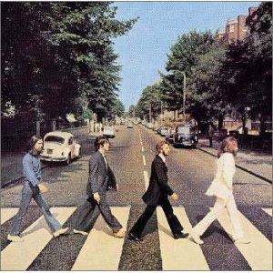 ザ・ビートルズがアルバム「アビイ・ロード」で歩いていた道路のストリートビュー