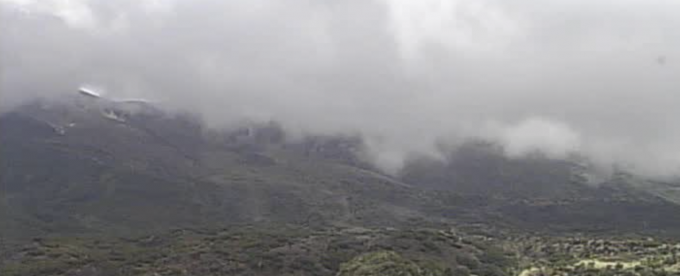 北海道美瑛町 十勝岳・火山ライブカメラ(2ヶ所)と雨雲レーダー