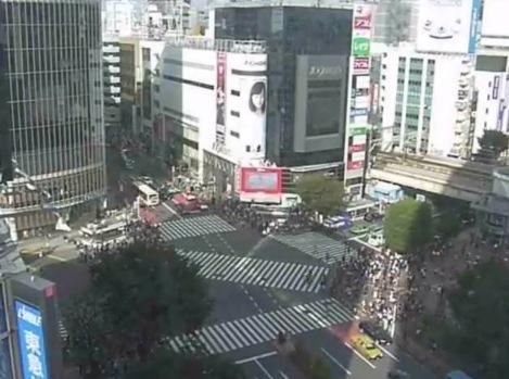 渋谷スクランブル交差点ライブカメラ(遠目)