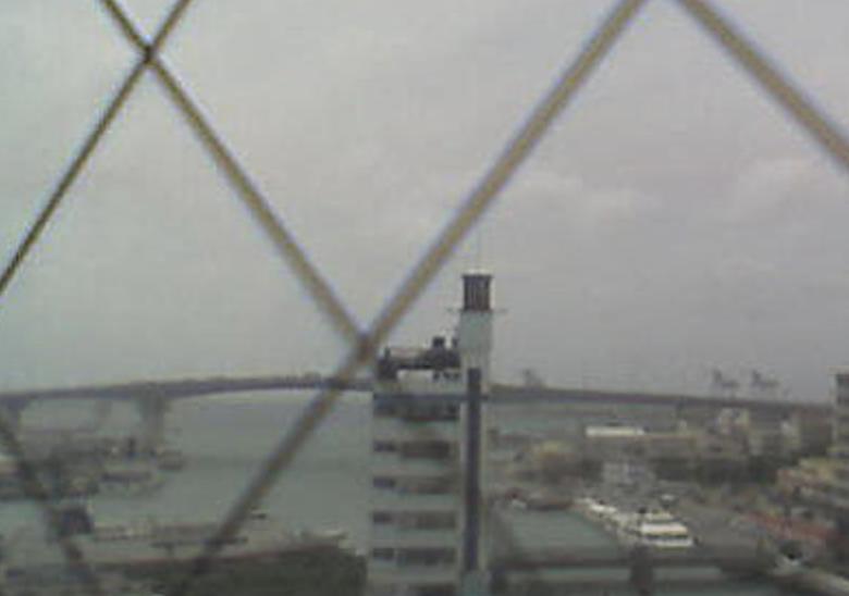 泊港ライブカメラと雨雲レーダー/沖縄県那覇市