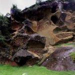 虫食い岩360度パノラマカメラ