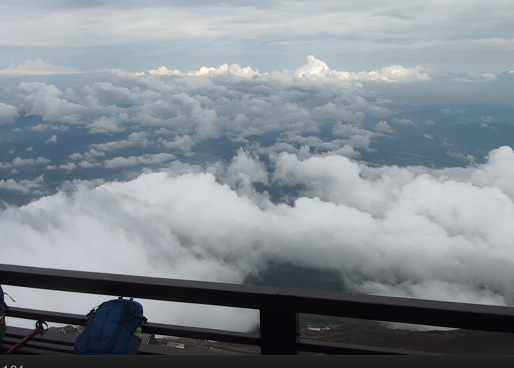 富士山の山小屋「御来光館」ライブカメラ[USTREAM]