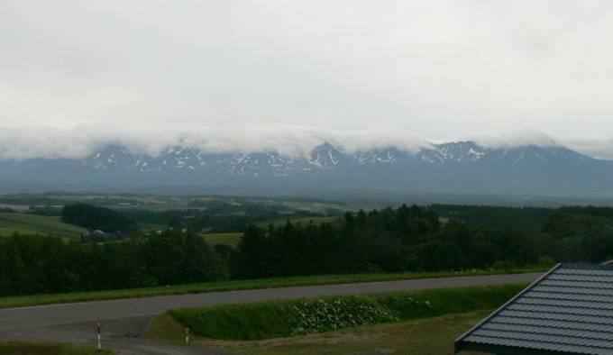 北海道美瑛町 ルベシベ地区から見える十勝岳ライブカメラと雨雲レーダー
