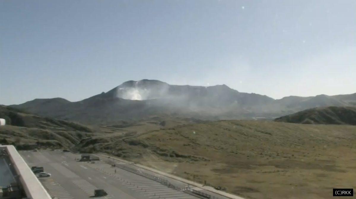 阿蘇火山博物館の阿蘇山火口ライブカメラと雨雲レーダー/熊本県阿蘇市