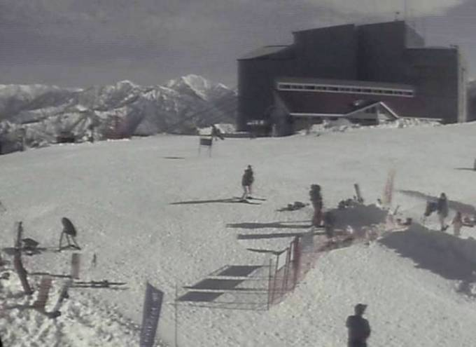 新潟県湯沢町 湯沢高原スキー場ライブカメラと雨雲レーダー