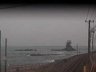 雨晴海岸から見える女岩・富山湾ライブカメラ