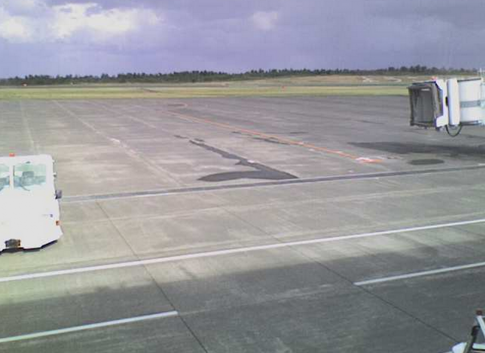 停止中:鳥取空港ライブカメラ( 鳥取砂丘コナン空港 )と雨雲レーダー/鳥取県鳥取市