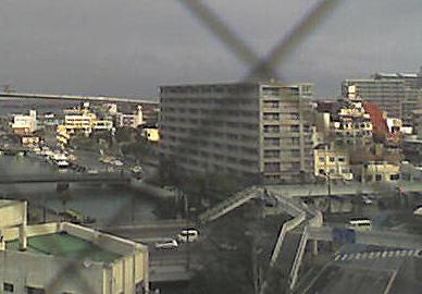 沖縄県那覇市 国道58号線泊交差点周辺ライブカメラと雨雲レーダー