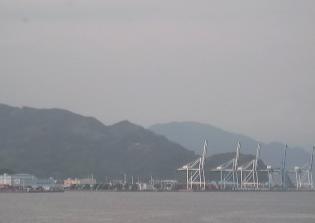 清水マリンターミナル屋上から見える富士山ライブカメラ
