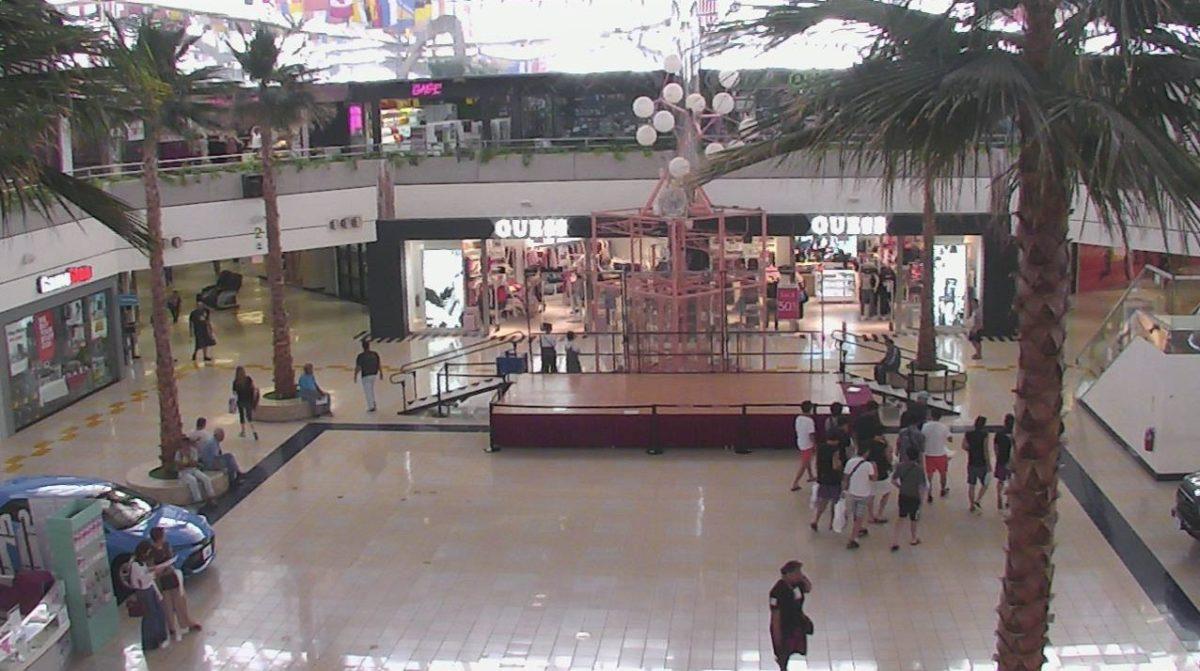 マイクロネシアモールセンター ライブカメラ/グアム