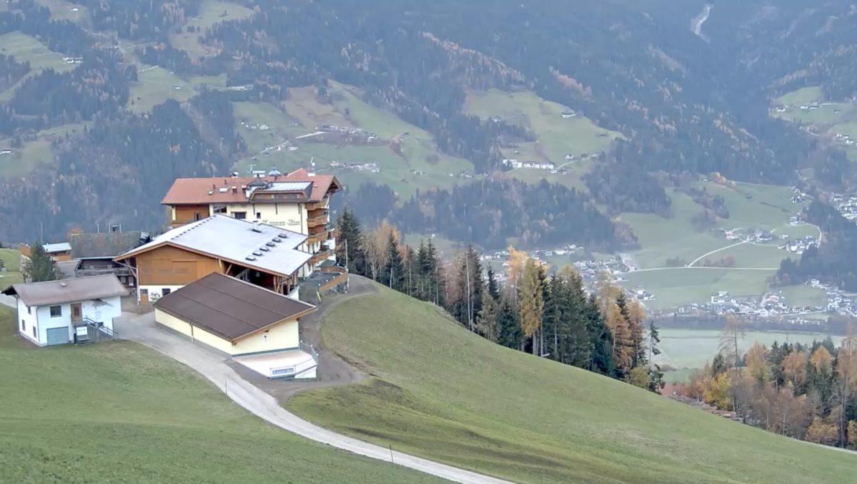 シュトゥンマーベルク ライブカメラ(Alpengasthof Tannenalm)/オーストリア チロル州