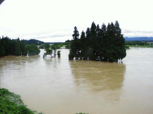 2020年7月末 記録的大雨の際の最上川 黒滝の様子。