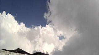 富士山頂 ライブカメラ(夏期観測期間)と雨雲レーダー/静岡県富士宮市