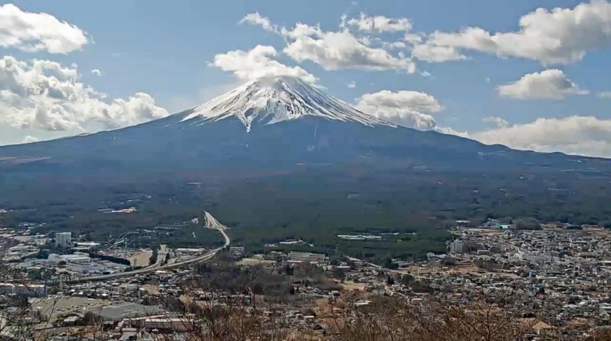 富士山 ライブカメラ(富士山パノラマロープウェイ)と雨雲レーダー/山梨県富士河口湖町