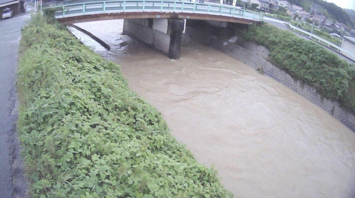 梨和川・新境橋ライブカメラと雨雲レーダー/広島県三原市南方