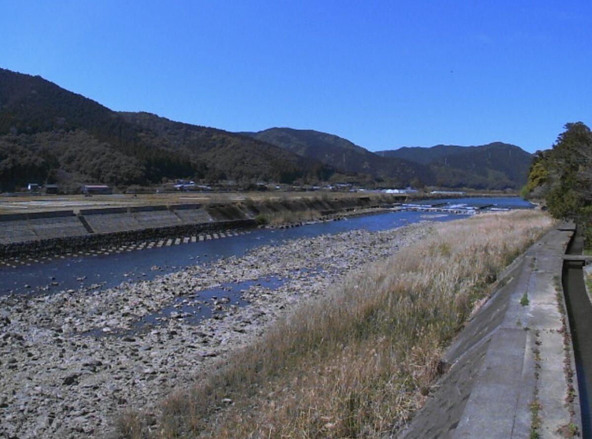 下の加江川・小方橋ライブカメラと雨雲レーダー/高知県土佐清水市