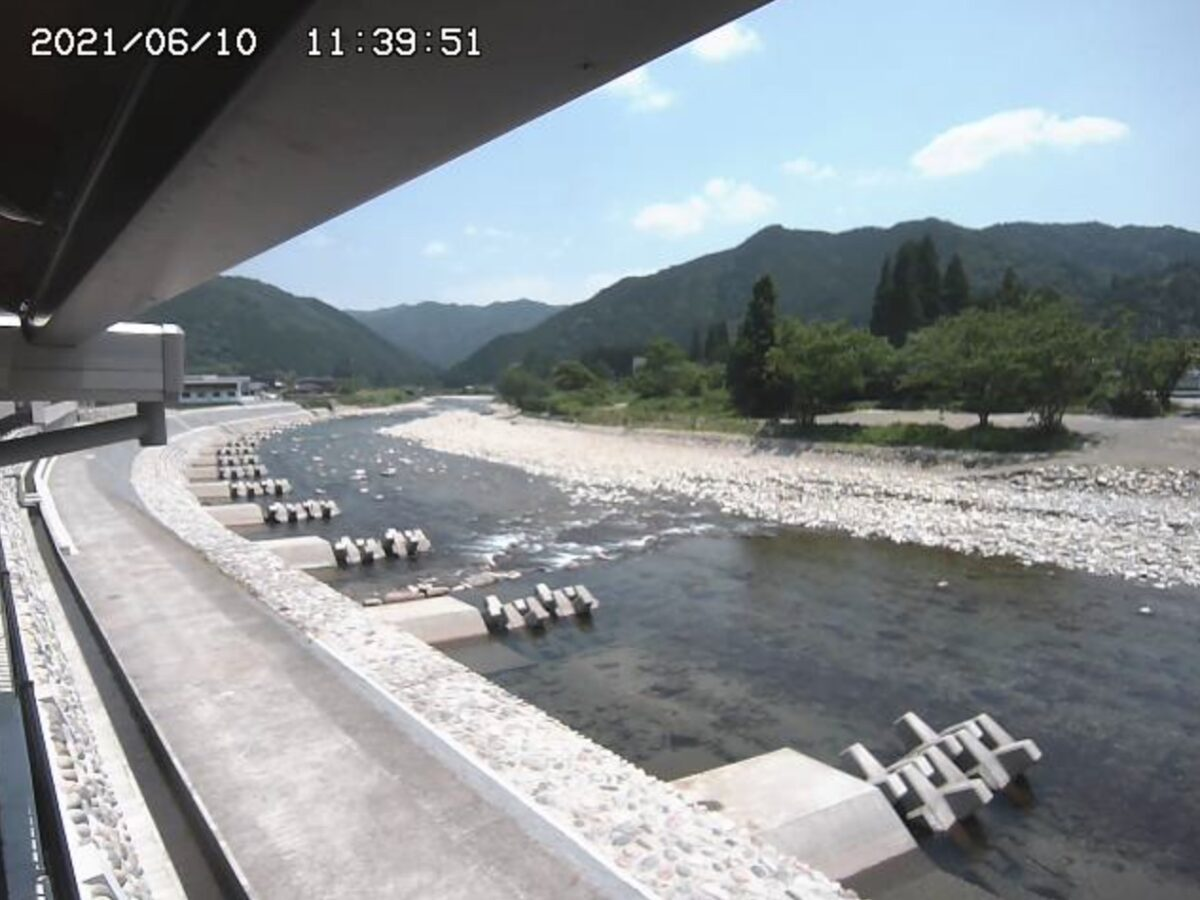 和良川・和良診療所ライブカメラと雨雲レーダー/岐阜県郡上市和良町