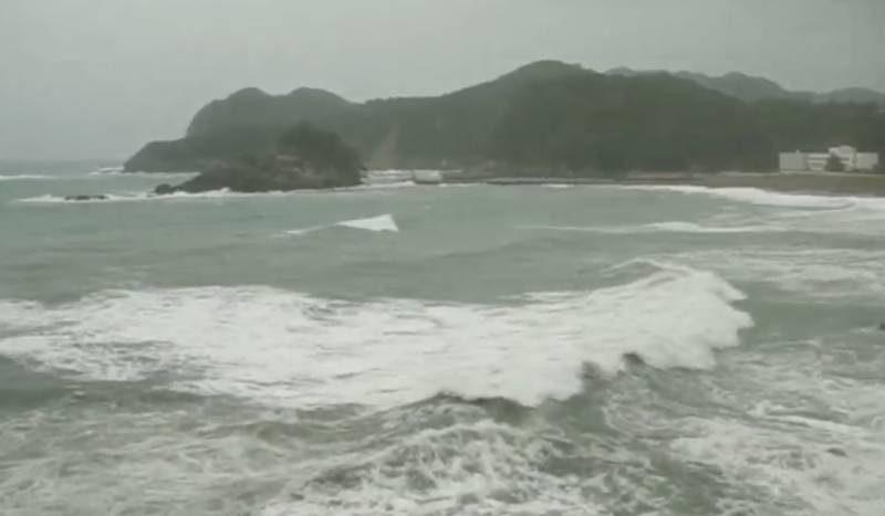 停止中:台風21号 徳島県南部 日和佐 特設ライブカメラ(ウェザーニュース)と雨雲レーダー/徳島県美波町