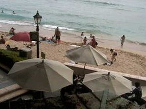 Moana Surfrider, A Westin Resort & Spaライブカメラ/ハワイ