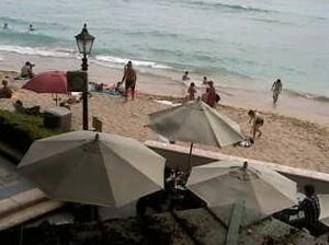 Moana Surfrider, A Westin Resort & Spaライブカメラ